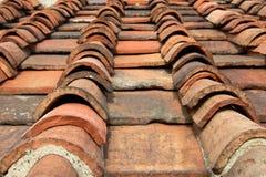 Alte Dach-Fliesen Stockfoto