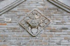 Alte Dachgesimse und Wand Stockfotografie