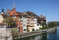 Alte deutsche Stadt Laufenburg auf dem Rhein-Fluss Stockfotografie