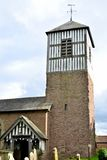 Alte Dorfkirche in England Lizenzfreies Stockbild
