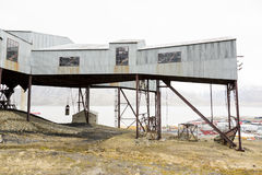 Alte Drahtseilbahn für Kohlentransport in Longyearbyen, Spitsberg Lizenzfreies Stockfoto