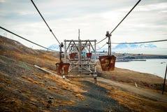 Alte Drahtseilbahn für Kohlentransport, Svalbard, Norwegen Lizenzfreie Stockbilder