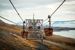 Alte Drahtseilbahn für Kohlentransport, Svalbard, Norwegen Lizenzfreies Stockbild