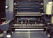 Alte Druckmaschine in der Typografie Stockbild