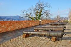 Alte Eisenkanone auf Buda-Hügel in Budapest, Ungarn Lizenzfreies Stockfoto