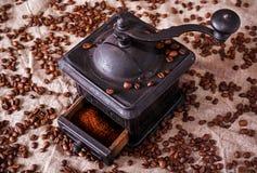 Alte Eisenwerkkaffeemaschine Stockfotografie