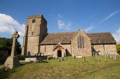 Alte englische Kirche in der Landschaft Stockbild