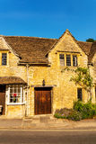 Alte englische Stadt und schöne historische Gebäude, alte Straße, h Lizenzfreies Stockfoto