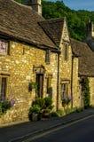 Alte englische Stadt und schöne historische Gebäude, alte Straße, h Lizenzfreie Stockfotografie