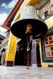 Alte enorme Bell an Boudhanath-Tempel in Kathmandu Nepal Lizenzfreies Stockfoto