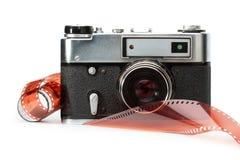 Alte Entfernungsmesserkamera und -film Lizenzfreie Stockfotos