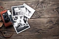 Alte Entfernungsmesserkamera und Schwarzweiss-Fotos Stockbilder