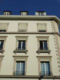 Alte europäische Gebäudefassade Stockfotos