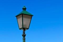 Alte europäische Straßenbeleuchtung Stockbild