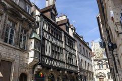 Alte Fachwerkhäuser in Dijon, Frankreich Stockfotografie