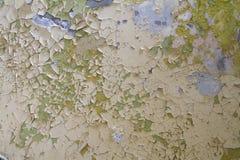 Alte Farbenschale und geknackt stockfoto