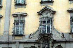 Alte Fassade in der Stadt von Wien Lizenzfreie Stockfotos