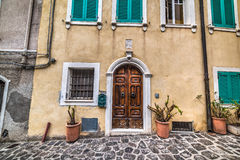 Alte Fassade in Sardinien Lizenzfreies Stockbild
