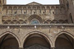 Alte Fassade in Sizilien Stockfotografie