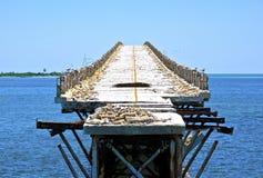Alte faule Brücke in den Florida-Schlüsseln Stockfoto