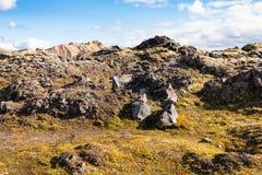 alte Felsen am Laugahraun-Lavafeld in Island Stockfotos