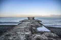 Alte Felsenanlegestelle durch das Schwarze Meer, Georgia Batumi Lizenzfreie Stockfotografie