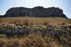 Alte Felsenwand in Favignana-Insel sizilien Italien lizenzfreie stockfotos