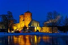 Alte Festung am Abend des eisigen Winters Lizenzfreie Stockbilder