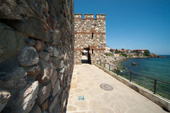 Alte Festung auf der Küste des Schwarzen Meers Lizenzfreie Stockbilder