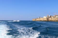Alte Festung des Morgens auf dem Meer Stockfotos