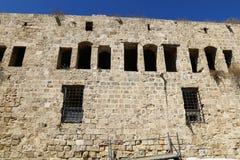 Alte Festung des Morgens auf dem Meer Lizenzfreie Stockfotos