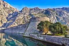 Alte Festung Kotor Montenegro in der alten Stadt, Montenegro-Berge Lizenzfreie Stockfotografie