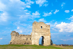Alte Festungsruinen des Frühlinges Lizenzfreie Stockfotos