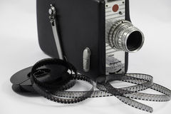 Alte Filmkamera und -Filmrolle Stockbilder