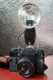 Alte Filmkameras und -blitz Lizenzfreies Stockbild