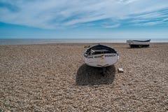 Alte Fischerboote in Aldeburgh lizenzfreies stockfoto