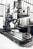 Alte Fräsmaschine für die Metallformung Lizenzfreies Stockbild