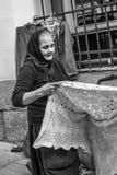 Alte Frau in Madrid Lizenzfreie Stockfotos