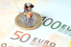 Alte Frau und Eurogeld Lizenzfreies Stockbild