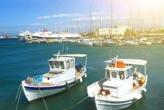 Alte fshing Boote im Hafen von Iraklio, Kreta, Griechenland Lizenzfreie Stockfotos
