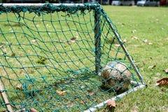 Alte Fußballkugel Stockfotos
