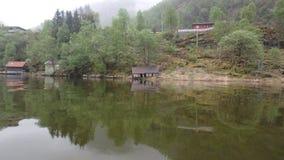 Alte Garage, Hütte, blinder Fjord im Tal, in Norwegen, Lizenzfreie Stockbilder