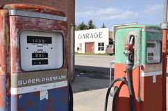 Alte Gaspumpen Lizenzfreies Stockfoto