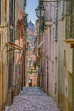 Alte Gasse in Lanciano, Abruzzo, Italien lizenzfreie stockbilder