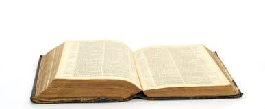 Alte geöffnete Bibel Stockfotos