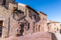 Alte Gebäude in der mittelalterlichen Stadt San Gimignano Stockfoto