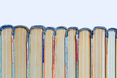 Alte gebundene Bücher des Stapels Stockfoto