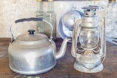 Alte Gegenstände einer ländlichen Küche Stockfoto