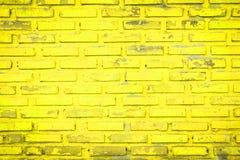 Alte gelbe Backsteinmauer Lizenzfreies Stockfoto