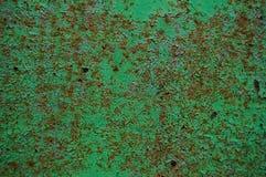 alte gemalte hölzerne Wandbeschaffenheit, Schmutzhintergrund, gebrochene Farbe Stockfoto